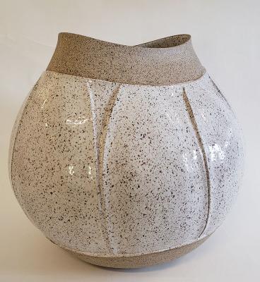 Speckled-Carved-Vessel-3