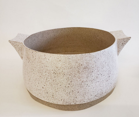 Vessel-with-Handles-3