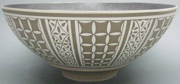 Engraved_Bowl_with_metallic_glaze-340