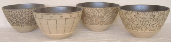 Mixed_Black_Round_Bowls-244