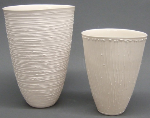 Porcelain_Vessels_with_slip_trail_2-208