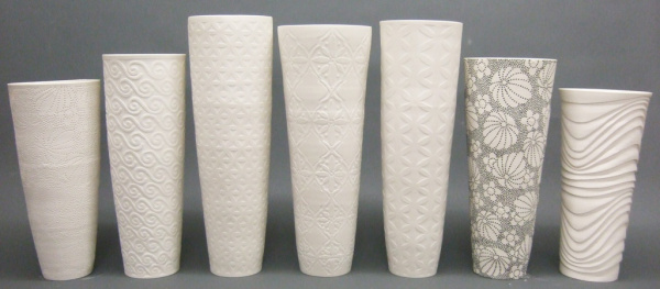 Tall_porcelain_vases-211
